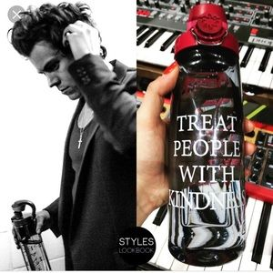 Harry Styles 2018 Tour Exclusive Water Bottle